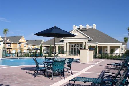 Beautiful 4 bedroom Villa near Disney - Kissimmee