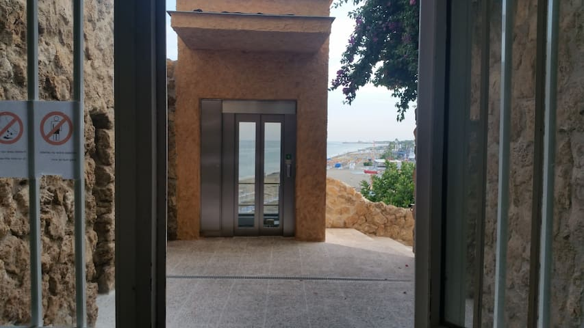 By elevator to the beach! - Torremolinos - Apartment