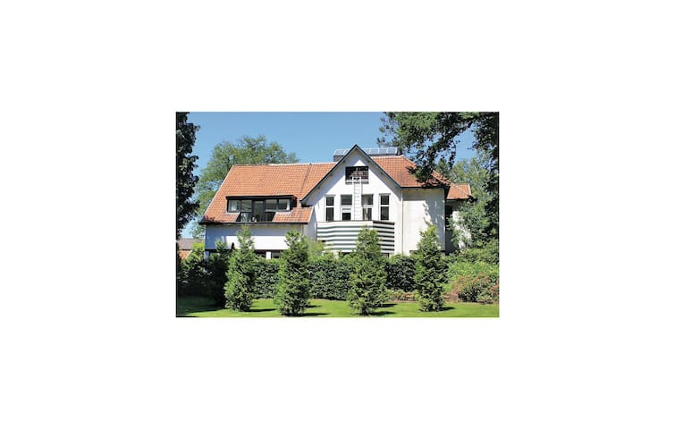 Holiday cottage with 6 bedrooms on 210 m² in Vorden
