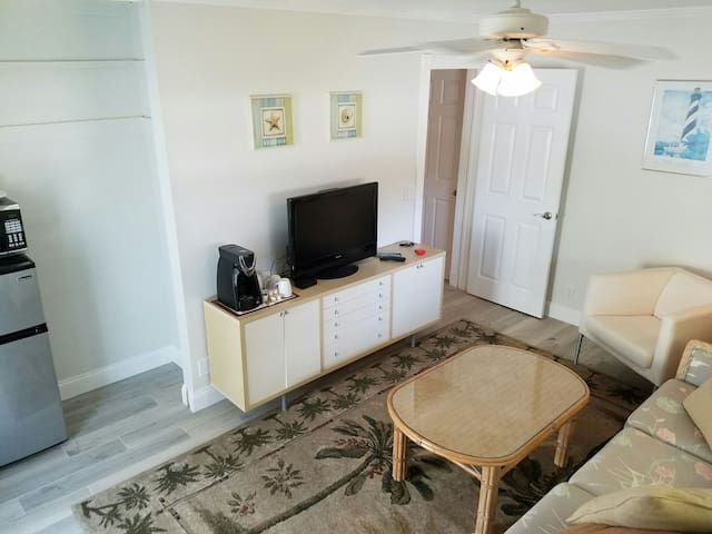 Awesome PRIVATE 2 Room Studio close to everything! - Palm Beach Gardens - House