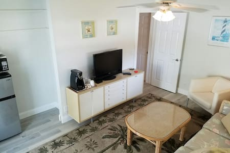 Awesome PRIVATE 2 Room Studio close to everything! - 棕榈滩花园(Palm Beach Gardens) - 独立屋