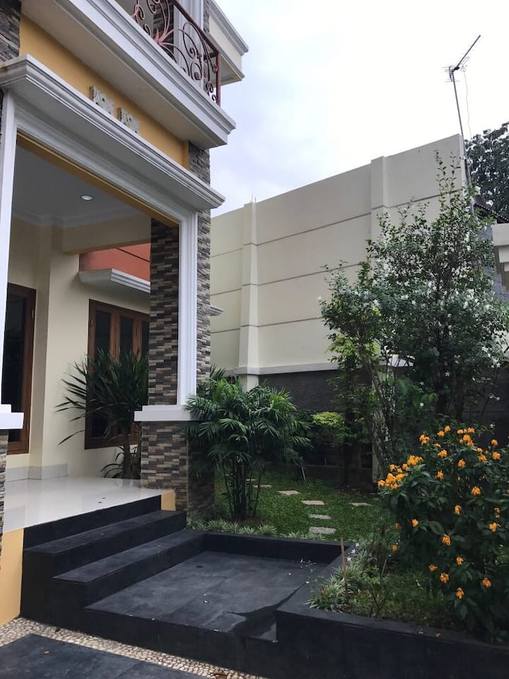 House in Cempaka Putih