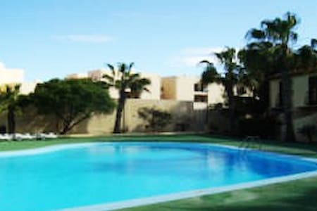 Duplex in Parque Holandes with communal pool. - La Oliva