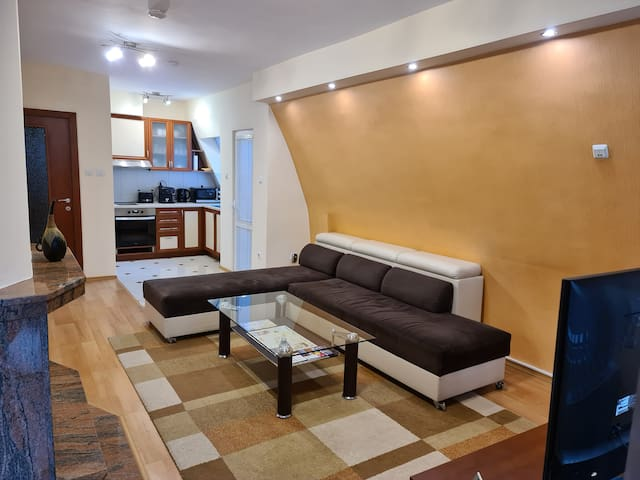 Alemex Apartment, Two Bedroom & Parking Space