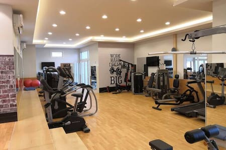 Luxury One Bedroom Apartment-Al Wajba