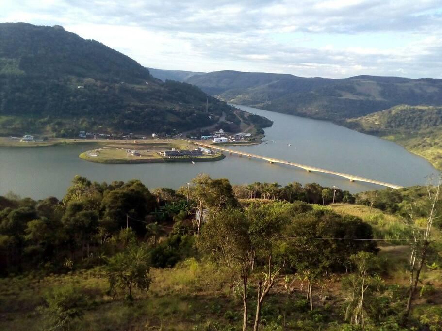 linda vista para o Rio Uruguai divisa com Rio Grande do Sul.