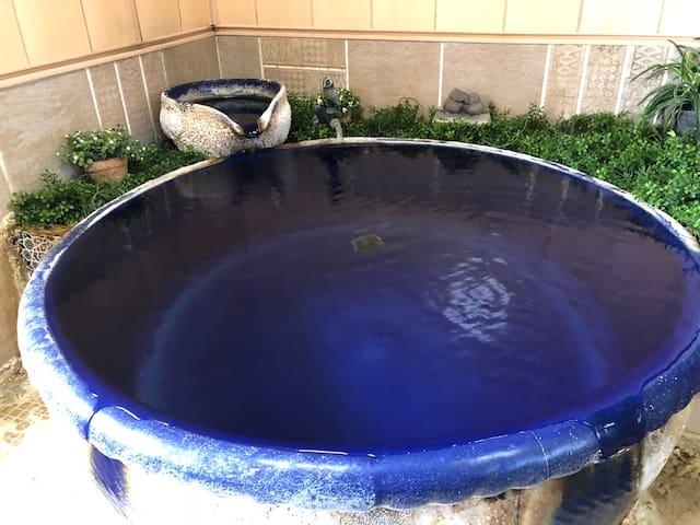 100% natural hot springs Ryokan +  Breakfast【さくら】