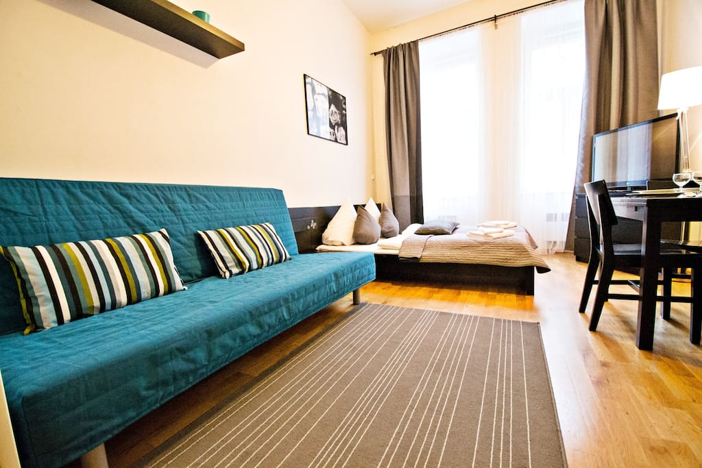 Cozy studio apartment up to 4 people. We'll provide you with towels, bed linen, unlimited free WiFi!