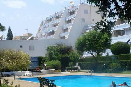 Cosy Amathusia Beach Apartment - Agios Tychon - Huoneisto