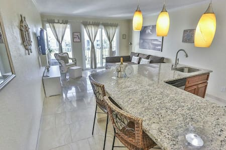 Beautiful Ocean View Condo on Tampa Bay