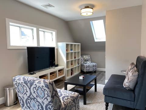 2nd floor Bryn Mawr apartment with private deck
