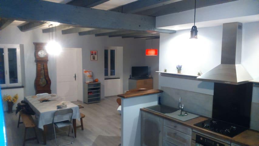 Maison à la campagne Marmanhac dept Cantal (15)