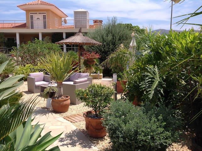 Fantástica Villa en Alfaz del Pi (Benidorm)