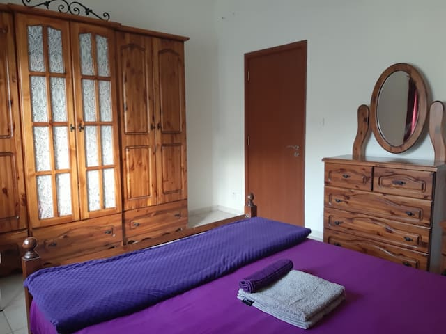 Cozy room with queen size bed near to Valletta!