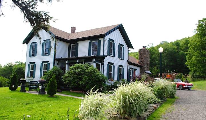LUXURY HOUSE, FRANKLIN, NEW YORK