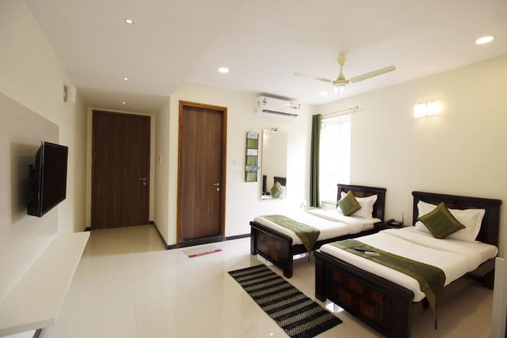 Lavish Rooms  apparment  Raheja mind space