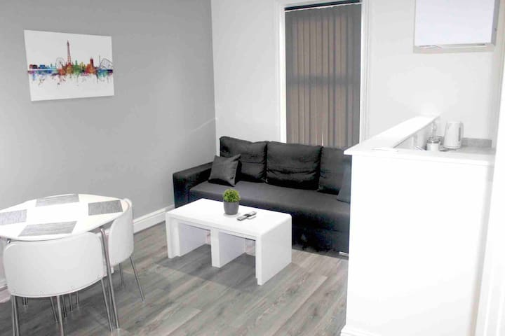 luxury Ditchburn apartment central blackpool