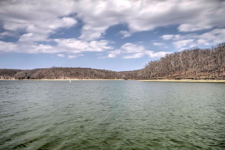 NEW! 3BR Osage Beach Waterfront Condo w/ Boat Dock
