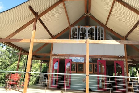 Noonggalli Eco Retreat  caters for 2 to 12 people