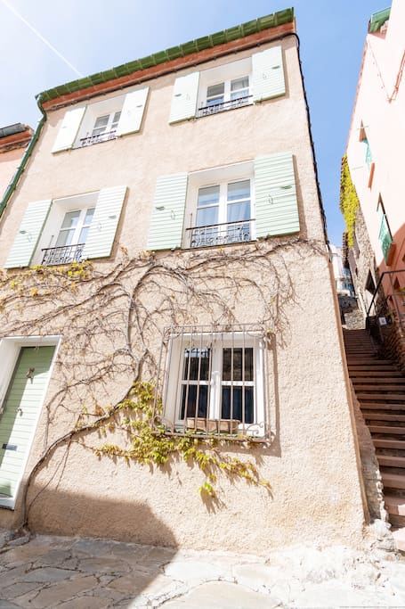 A magic location for this maison bourgeoise