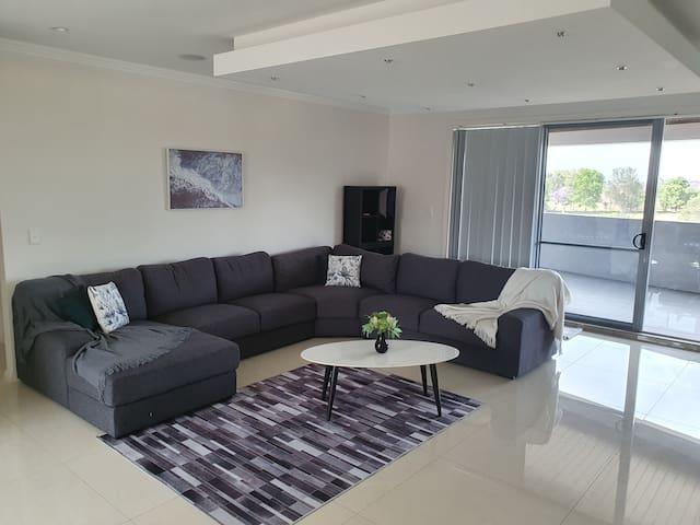 Luxury 4BR Casula Penthouse