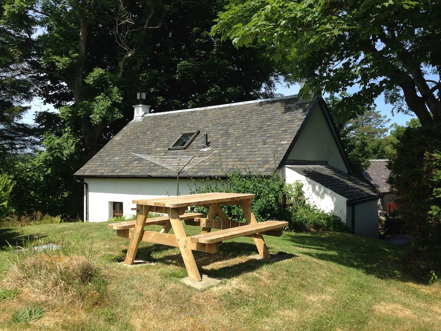 The cottage is situated in peaceful surroundings and has its own garden.