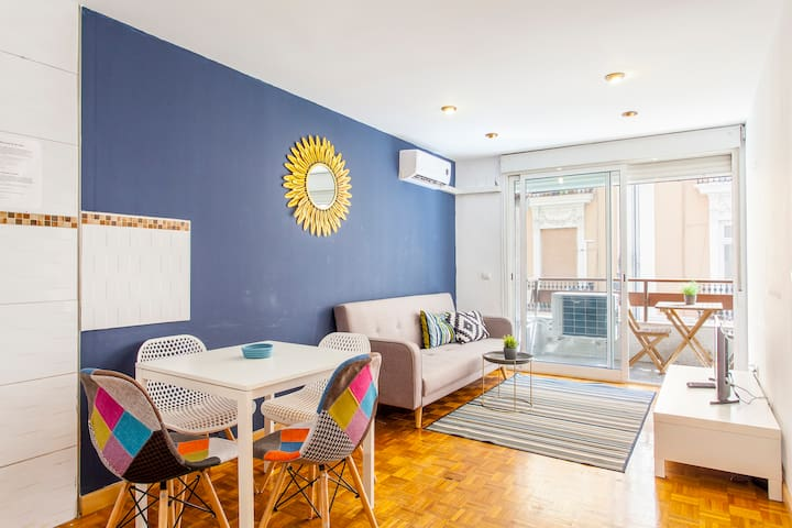 MAGNIFIC FLAT CENTER VALENCIA 2 ROOMS. WIFI COOL