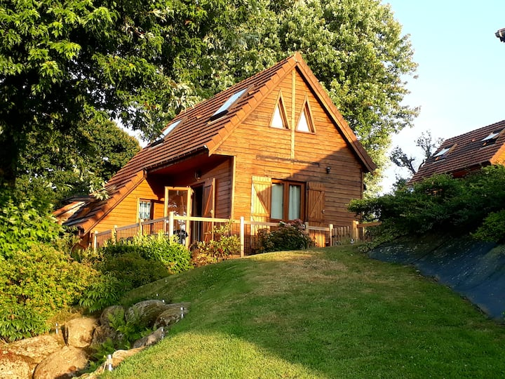 Lodge Overlooking Lac Dathee - Green Park - Vire