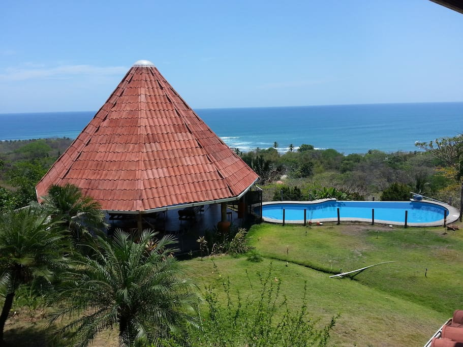 RANCH  WITH 4 TERRIFIC VIEWS,PACIFIC OCEAN,MOUNTAINS,GARDEN,AND ALL PARTS OF THE VILLA