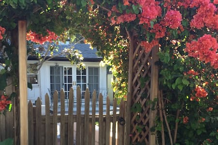 Historic Mission Area Attached Guest House - Santa Barbara