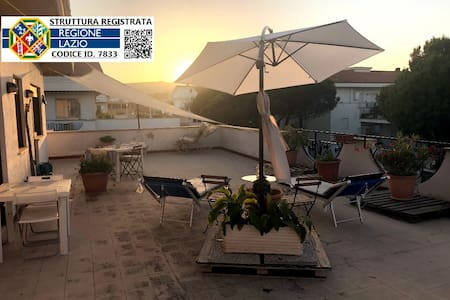Attico Terra-Mare: Terrazza & BBQ & WiFi
