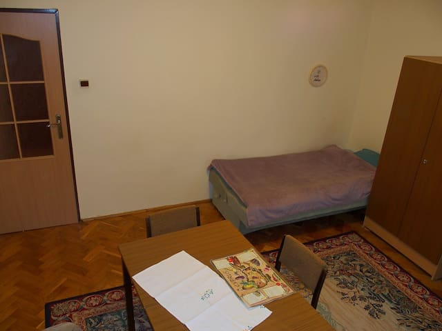 Room for rent (10 min. walk from COP24)