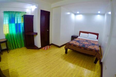 Hacienda Darasa Garden Resort - Tanauan - 家庭式旅館