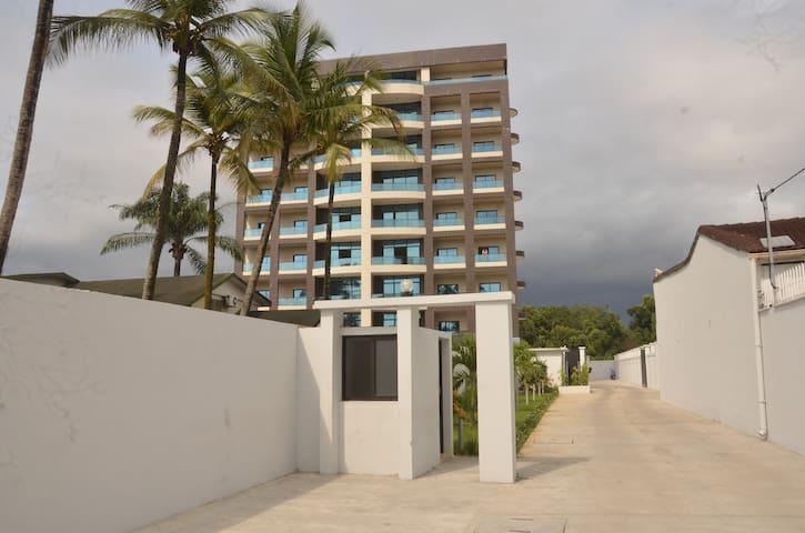 APPARTEMENT HAUT STANDING VUE MER - Libreville