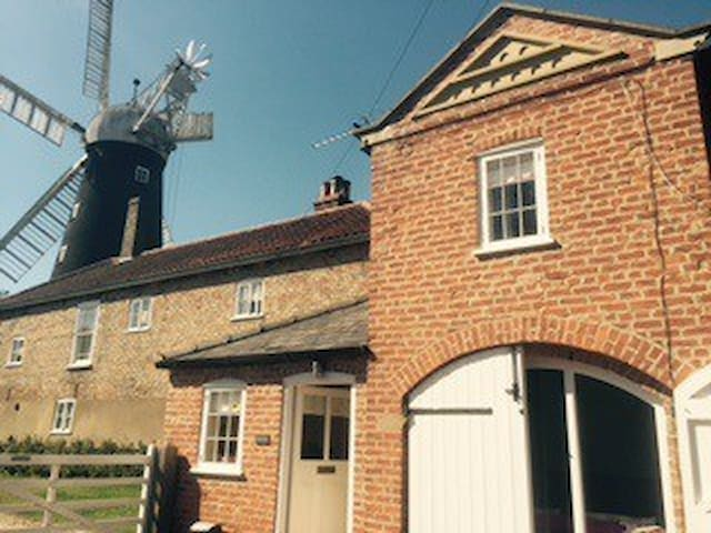 Charming family friendly Lincolnshire coach house - Alford, Lincolnshire - Ev