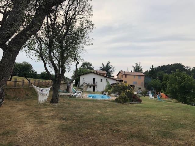 Casa con piscina vicino Rasiglia