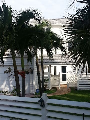 Beautiful cottage, east of A1A - Vero Beach - Casa