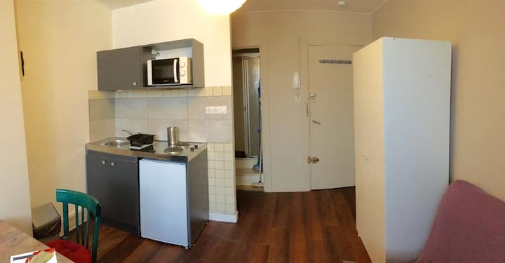"Furnished studio flat Chambéry city center ""Léman"""