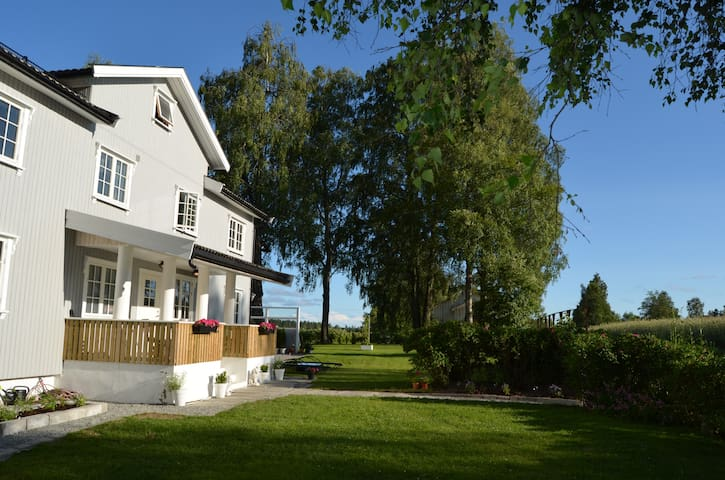 Relaxing stay, 15 min from Oslo airport - Eidsvoll - Huis