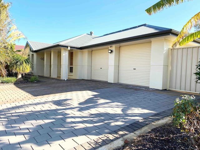 Renmark River Stayz -  A Home With A View
