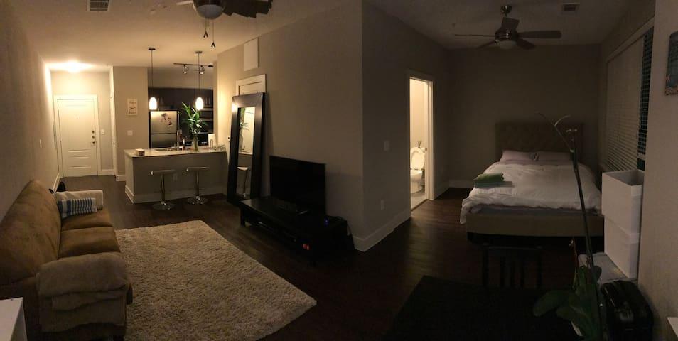 Cozy Quiet Place + Business Ready