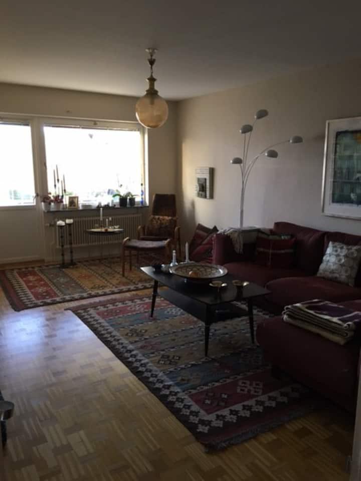 Central, välutrustad lägenhet
