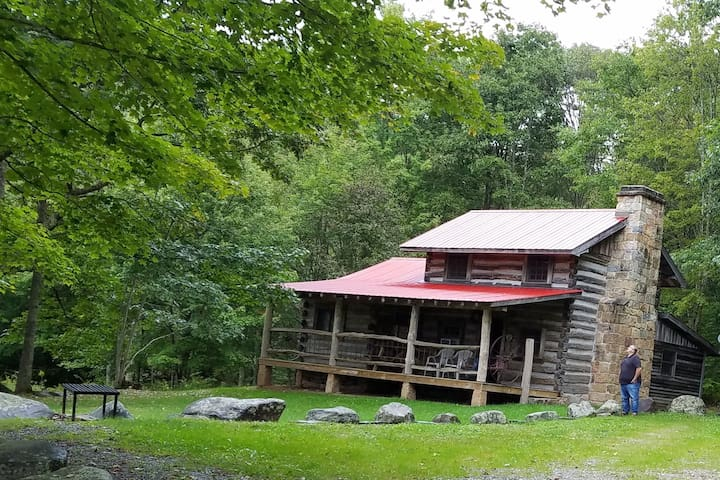 Historic log cabin @National Forest & Greenbrier