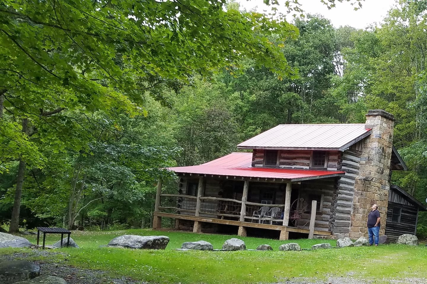 Front view of the cabin.