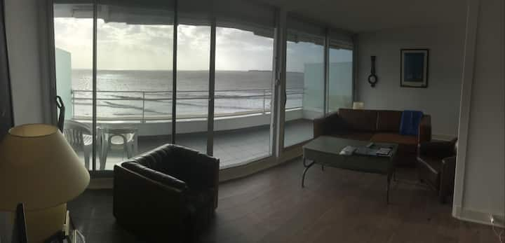 Vue Fantastique - 15 metres de la plage -