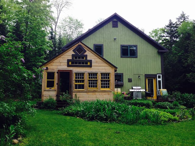 Lovely wooded home in Hardwick, VT