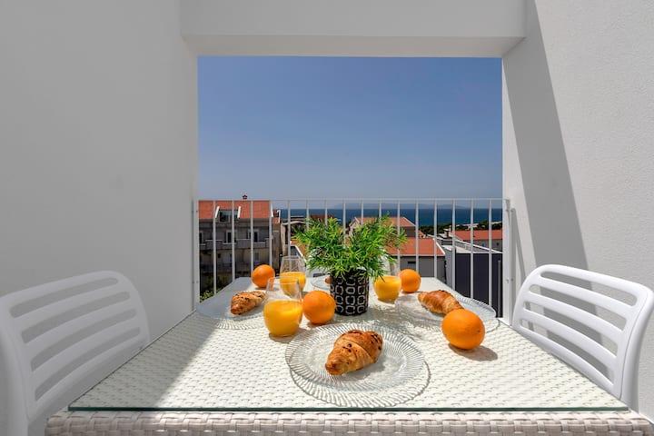 Strada Tučepi-One Bedroom apt with balcony (Green)