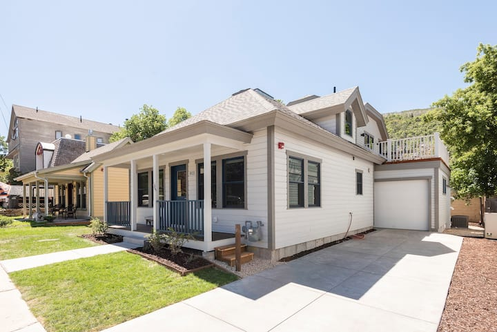 Heart of Park City-Brand New Old Town Home