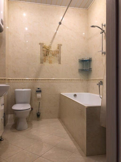Чистая и свежая ванная комната