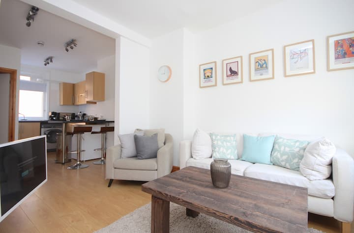Clean & Comfortable Apartment, D'Arblay St Soho